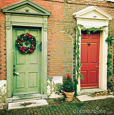Christmas at historic Elfreth s Alley