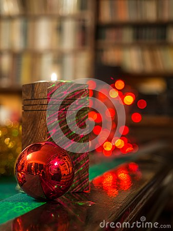 Free Christmas In The Library Stock Photo - 104491110