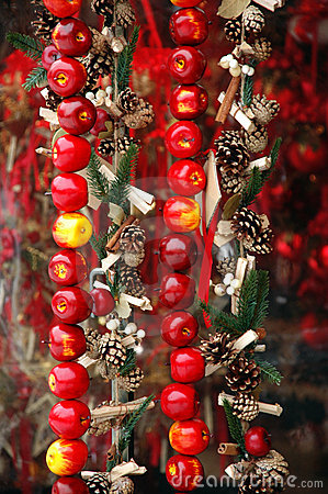Christmas market: apples and cones