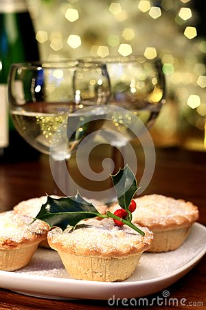 Free Christmas Mince-pie Royalty Free Stock Images - 34988009