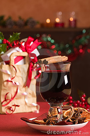 Free Christmas Mulled Wine Royalty Free Stock Image - 11656856