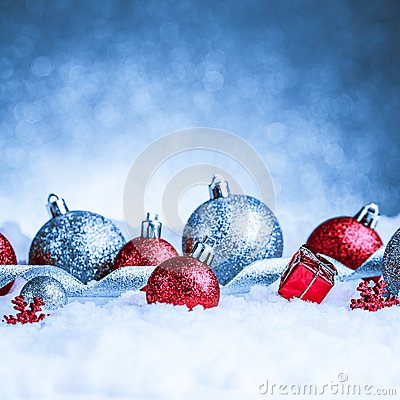 Free Christmas Ornament In Snow On Glitter Background Stock Images - 47705684