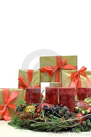 Free Christmas Presents And Advent Kranz (Reef) Stock Photography - 7353752