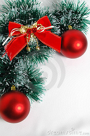 Free Christmas Red Balls Snd Bow Stock Images - 390334