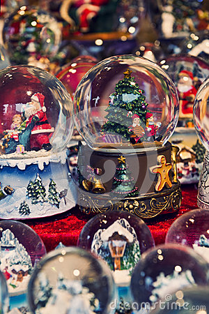 Free Christmas Snow Globes Royalty Free Stock Image - 53962456