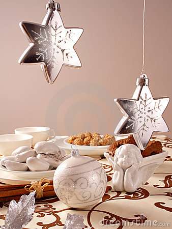 Free Christmas Table Royalty Free Stock Images - 3556679