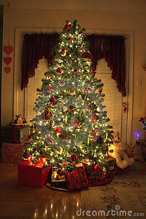 Free Christmas Tree Royalty Free Stock Photography - 406997