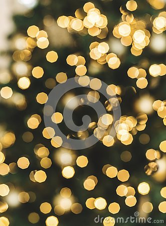 Free Christmas Tree Background With Blurred, Sparking, Glowing. Stock Images - 129695294