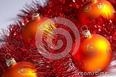Christmas tree balls with tinsel - weihnachstkugeln mit lametta