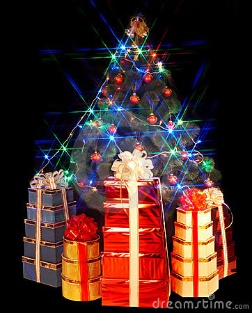 Christmas tree with flash and group gift box.