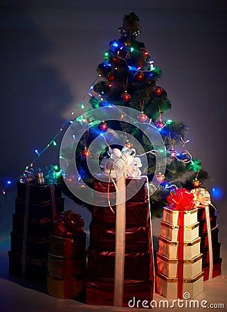 Christmas tree with flash, group gift box, shadow