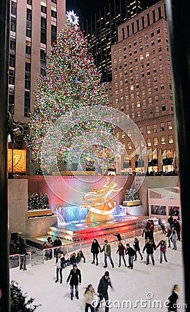 Free Christmas Tree Lighting Celebration At Rockefeller Royalty Free Stock Images - 12288659