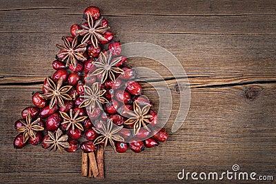 Christmas tree made of cinnamon, anise and dog-rose