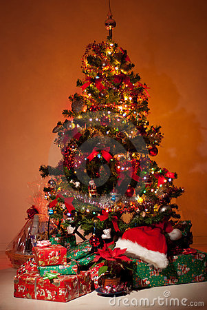 Free Christmas Tree With Gifts And Lights Stock Images - 17537414