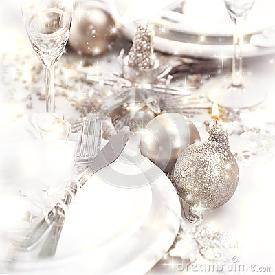 Free Christmastime Table Setting Royalty Free Stock Images - 28193549