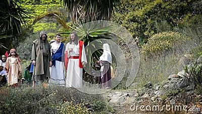 Christus spreekt aan apostel, theatrale vertegenwoordiging van de Hartstocht. stock video