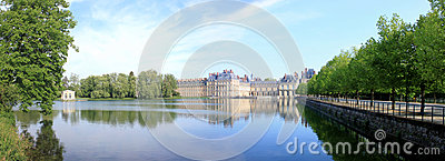 Château de Fontainebleau in France and it s lake