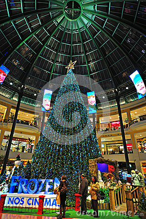 Chtistmas eve in shopping mall Editorial Photography