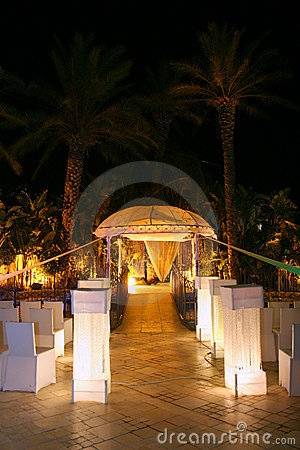 Chuppa op het Joodse huwelijk.