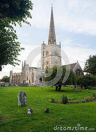 Church and graveyard in Burford