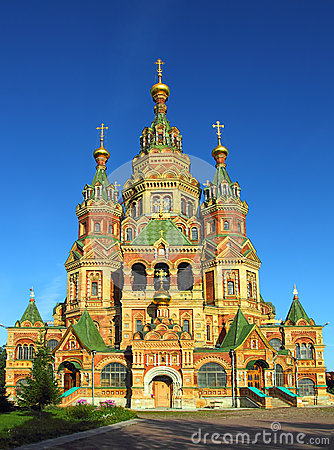 Free Church Of Holy Apostles Peter And Paul In Peterhof Royalty Free Stock Photography - 35047327
