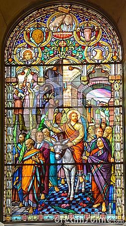 Free Church Of Saint-Leon-de-Westmount Stained Glass Window Stock Photo - 78343600