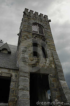 Free Church Ruins With Storm Clouds Overhead Stock Images - 654614
