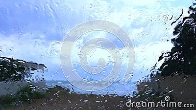 Chuva no para-brisa de um carro filme