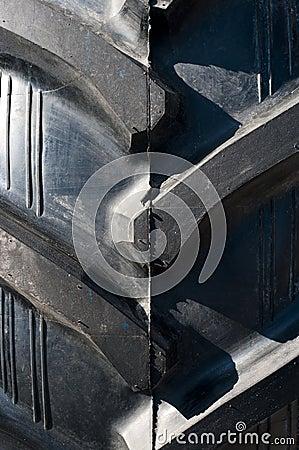 Ciągnikowa opona