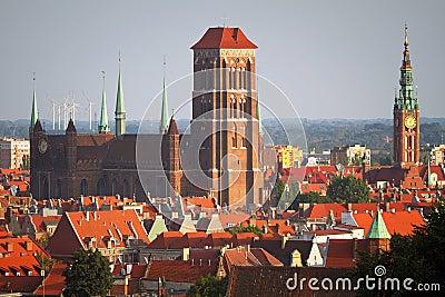 Cidade velha de Gdansk com edifícios históricos
