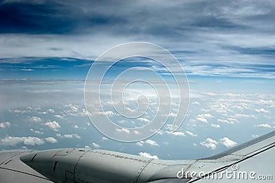 Ciel brumeux bleu