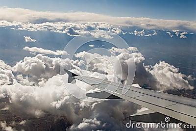 Cielo llano del ala