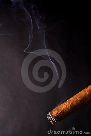 Cigar And Smoke Royalty Free Stock Images - Image: 1552399