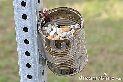 Cigarrette butt can