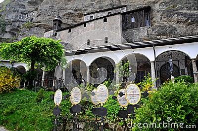 Cimitero storico a Salisburgo, Austria Immagine Stock Editoriale