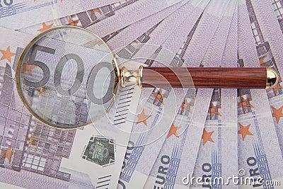 Cinco cem euro- e laço