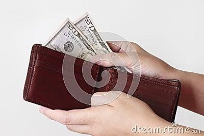 Cincuenta dólares en monedero