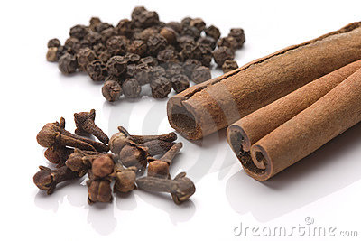 Cinnamon, black pepper and cloves