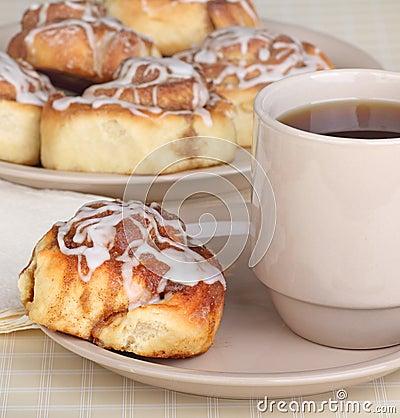 Cinnamon Roll Breakfast