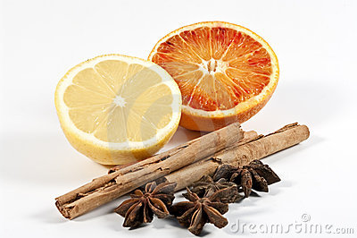 Cinnamon, star anise and citrus fruits