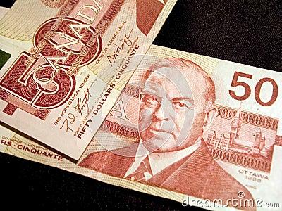 Cinqüênta notas de banco do dólar (canadenses)