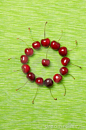 Free Circle Made Of Cherries Royalty Free Stock Image - 19989716
