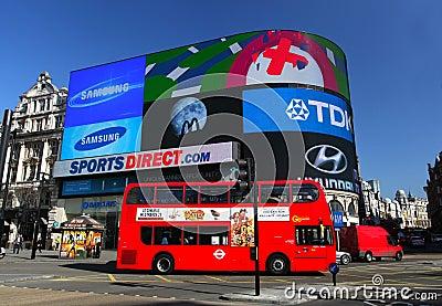 Circo de Piccadilly en Londres Imagen editorial