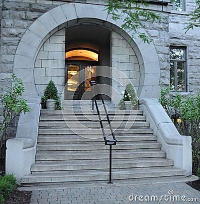 Circular entrance