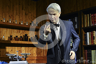 thomas edison lampadina : ? incandescence a ete invente par Thomas Edison, statue edison ...