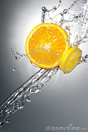 Free Citrus Slices With Water Splash Royalty Free Stock Photography - 20730797