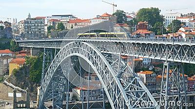 Città del fiume del canale del tram stock footage