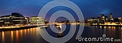 Città di Londra alla notte
