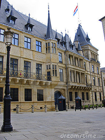 Ciudad de Luxemburgo granducal del palacio Luwembourg