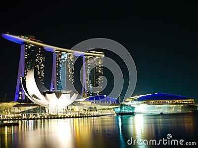 Ciudad de Singapur en la noche
